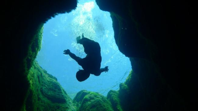 jacobs-well-diving
